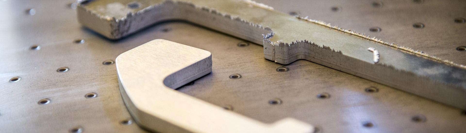 ebavurage-de-pieces-metaliques